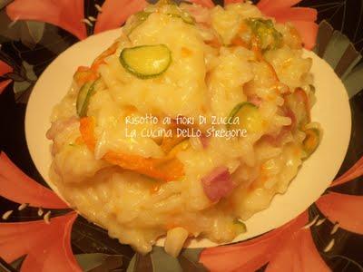 Risotto ai fiori di zucca, pancetta e zucchine
