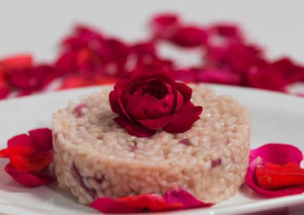 Risotto ai petali di rosa